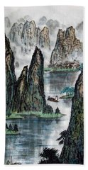 Bath Towel featuring the photograph Li River by Yufeng Wang