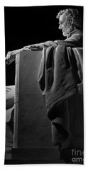 Lincoln In Black And White Bath Towel