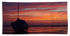 Hand Towel featuring the photograph Sunrise At Low Tide by Dianne Cowen