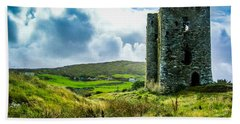 Hand Towel featuring the photograph Medieval Dunmanus Castle On Ireland's Mizen Peninsula by James Truett