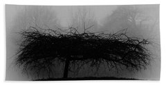 Middlethorpe Tree In Fog Bw Hand Towel