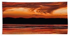 Hand Towel featuring the photograph Mississippi River Sunset by Don Schwartz