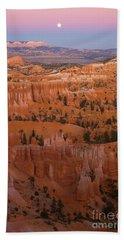 Moonrise Over Bryce Canyon Bath Towel