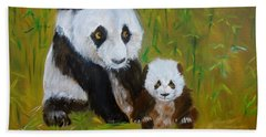 Hand Towel featuring the painting Mother And Baby Panda by Jenny Lee