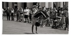 Bath Towel featuring the photograph Nycity Street Performer by Angela DeFrias