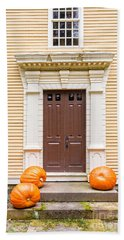 Old Colonial Era Front Door With Pumpkins Bath Towel