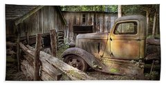 Old Farm Pickup Truck Bath Towel