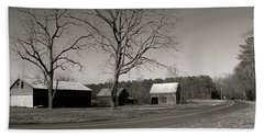 Old Red Barn In Black And White Long Hand Towel