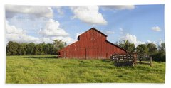 Hand Towel featuring the photograph Old Red Barn by Mark Greenberg