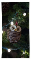 Bath Towel featuring the photograph Owly Christmas by Patricia Babbitt