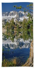 2m6443-v-palisade Peaks And Summit Lake V Hand Towel