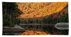 Hand Towel featuring the photograph Peak Fall Foliage On Beaver Pond by Jeff Folger