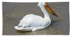 Hand Towel featuring the photograph Pelecanus Eerythrorhynchos by Alyce Taylor