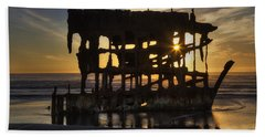 Peter Iredale Shipwreck Sunset Bath Towel