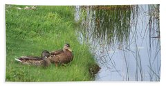 Bath Towel featuring the photograph Mated Pair Of Ducks by Eunice Miller
