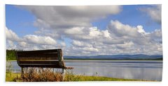 Hand Towel featuring the photograph Quartz Lake by Cathy Mahnke