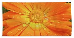 Raindrops On Orange Daisy Flower Bath Towel