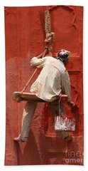 Hand Towel featuring the photograph Red Fort Painter by Nola Lee Kelsey