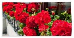 Bunches Of Vibrant Red Pelargonium Flowering  Bath Towel