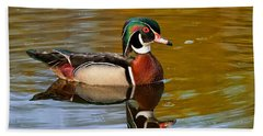 Bath Towel featuring the photograph Reflecting Nature's Beauty by Dale Kincaid