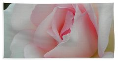 Hand Towel featuring the photograph Resplendent by Deb Halloran