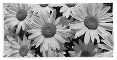 Hand Towel featuring the photograph Shasta Daisy  by Janice Westerberg