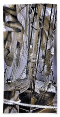 Hand Towel featuring the photograph Shining Sea by Robert McCubbin