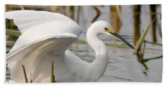 Hand Towel featuring the photograph Snowy Egret by Doug Herr