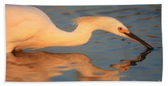 Bath Towel featuring the photograph Snowy Egret Mirror by John F Tsumas