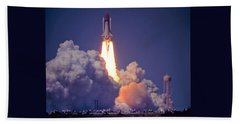 Space Shuttle Challenger Sts-6 First Flight 1983 Photo 1  Bath Towel