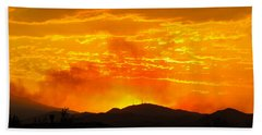 Hand Towel featuring the photograph Spectacular Nevada Sunset  by Phyllis Kaltenbach