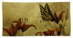 Hand Towel featuring the photograph Spring Fever by Diane Schuster