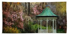 Hand Towel featuring the photograph Spring Magnolia Garden At Magnolia Plantation by Kathy Baccari
