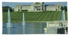 St Louis Art Museum And Grand Basin Hand Towel by Greg Kluempers