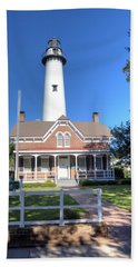 Hand Towel featuring the photograph St. Simons Island Light Station by Gordon Elwell