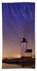 Hand Towel featuring the photograph Stars Trailing Over Lighthouse by Jeff Folger