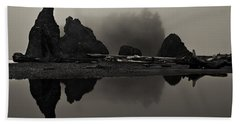 Stillness At Ruby Beach Bath Towel
