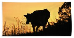 Bath Towel featuring the photograph Strolling Into The Sunset by Penny Meyers