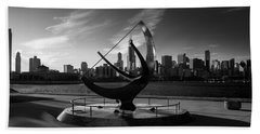 Sundial And Chicago Il B W Hand Towel