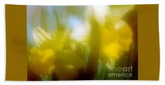 Hand Towel featuring the photograph Sunny Yellow Daffodils by Michael Hoard