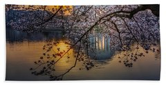 Sunrise At The Thomas Jefferson Memorial Bath Towel