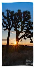 Sunrise Burst - Joshua Trees Beautifully Lit Joshua Tree National Park. Bath Towel