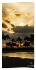 Hand Towel featuring the photograph Sunset Over Waikiki by Angela DeFrias