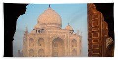 Taj Mahal Dawn Bath Towel