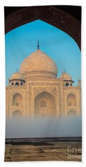 Taj Mahal From Jawab Bath Towel