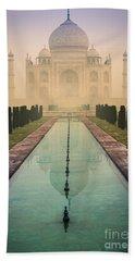 Taj Mahal Predawn Bath Towel