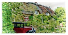 Bath Towel featuring the photograph Thatched Cottages At Reybridge by Paul Gulliver
