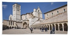 Tourists At A Church, Basilica Of San Bath Towel