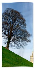 Bath Towel featuring the photograph Tree On A Hill by Jeremy Hayden