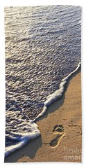 Tropical Beach With Footprints Bath Towel